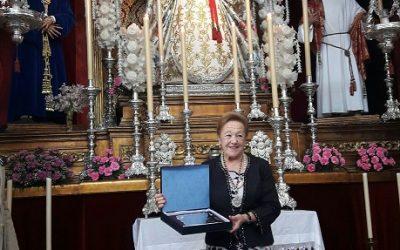 NHD Loli Peñuela recibió un homenaje por sus 30 años de camarera