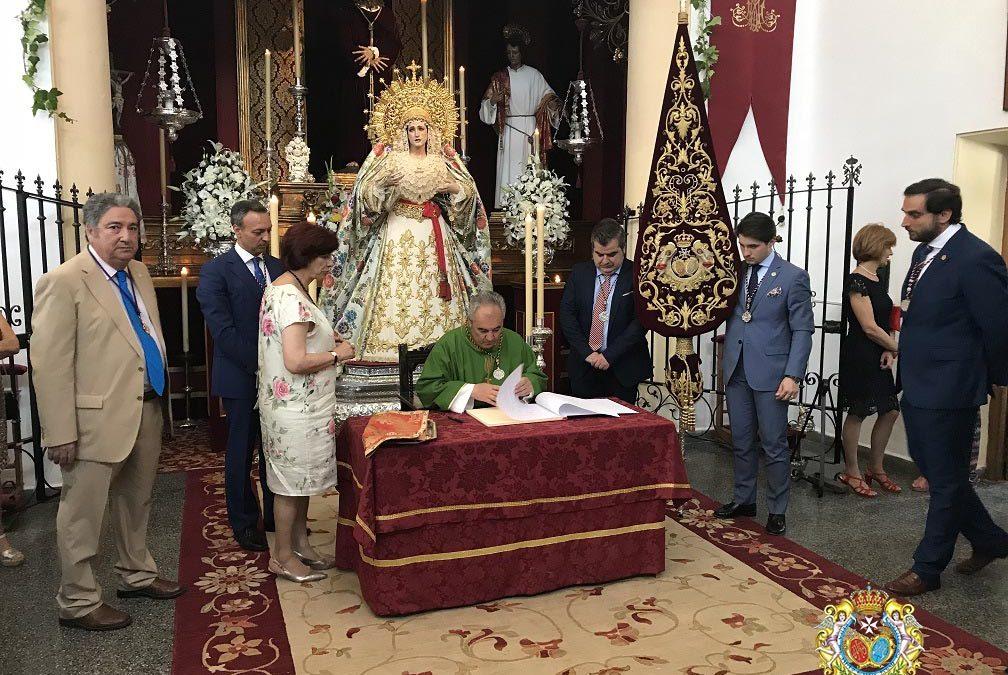 Nuestra Hermandad pone en manos de la Virgen el Proceso de Pro-Coronación (incluye galería)