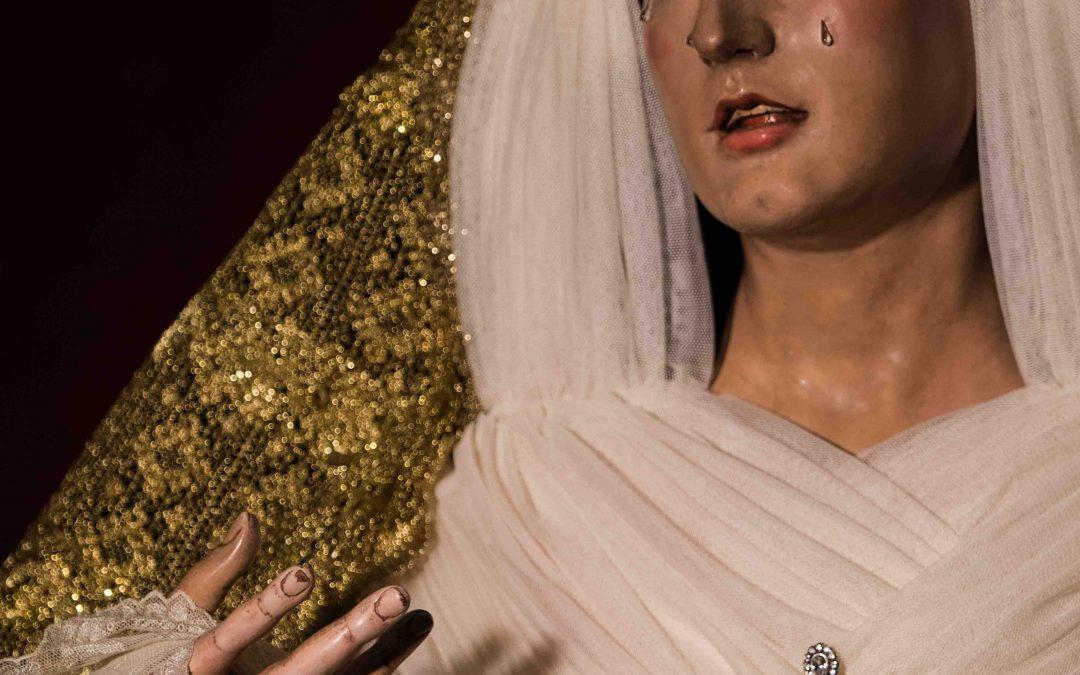 Nuestra Señora del Rosario ataviada para tiempo litúrgico ordinario estival (incluye galería)
