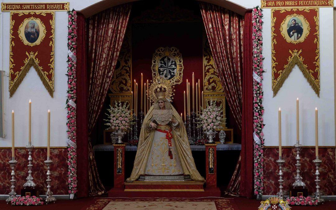 Ntra. Sra. del Rosario se encuentra en su altar de besamanos