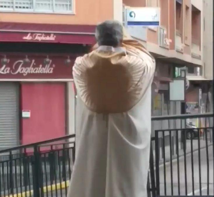Bendición con el Santísimo al pueblo de Linares